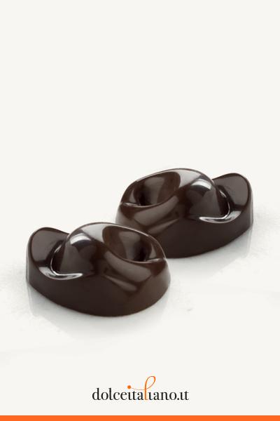32 Dark chocolate Tortellini by Majani 1796 g 256,00